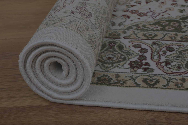 شست و شوی فرش های خارجی در قالیشویی پارسیان